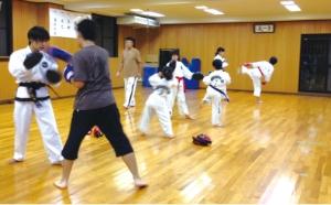 徒手格闘クラス